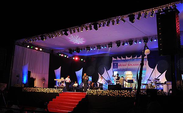LX-V8 for Indian Worship Festival